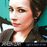 Cd Janeen Leah Right In Front Of Me Importado